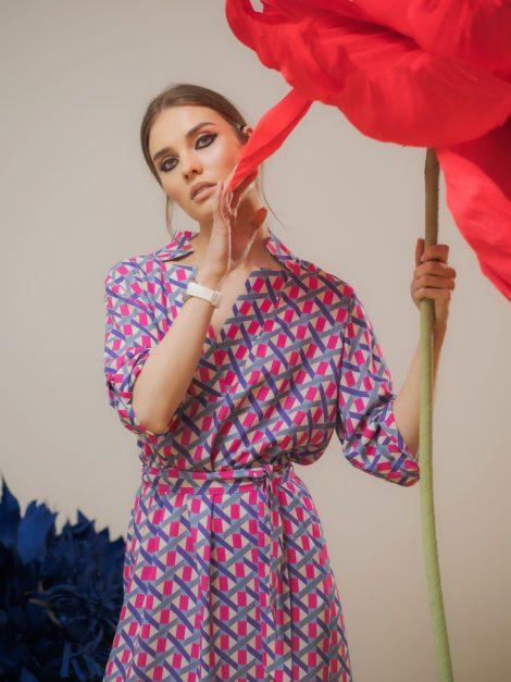 Sukienka z dekoldem V graficzna letnia 3